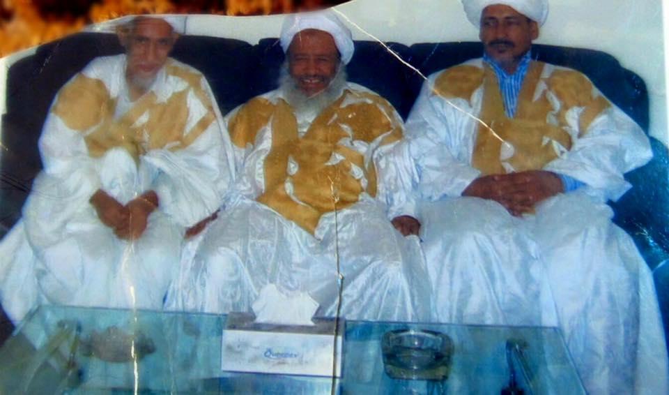 من اليسار إلى اليمين : محمد عبد الله ولد الصديق , العلامة عدود , أحمد شيخنا ولد أمات