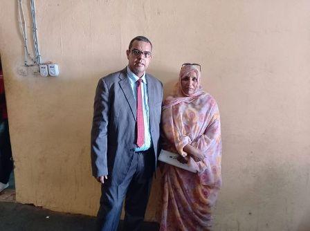 محامو الضحية اميمة بنت محمد اعمر في مباني المحكمة في انتظار جلب المتهمين