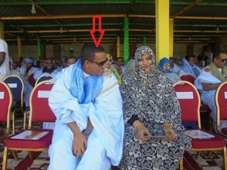 الوزير محمد ولد عبد الفتاح وهو في وضع مثير للجدل