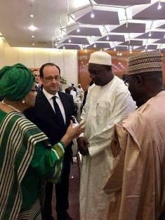 الرئيس الغامبي المنتخب آداما بارو رفقة قادة افارقة