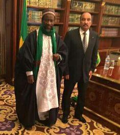 الرئيس عزيز مع رجل الدين ماحى سيس