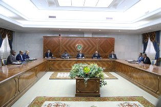 صورة من اجتماع المجلس في دورة 2018 ( الأرشيف )