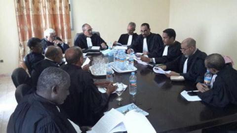 مجلس الهيئة الوطنية للمحامين الموريتانيية برئاسة النقيب الشيخ ولد حندى