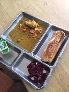 وجبة غداء لا تسمن ولا تغني من جوع مقدمة لطلبة جامعة انواكشوط