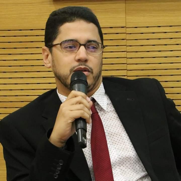 الدكتور نور الدين ولد محمدو / باحث واكاديمي موريتاني مشهور