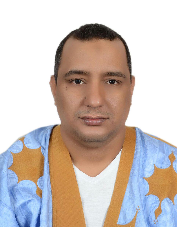 الكاتب و الباحث  : محمد ولد الدحان