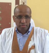 السناتور السابق  محمد الأمين ولد كي  وهو من يترأس جهة مناهضة الرئيس عزيز