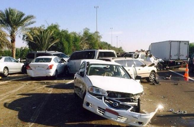 حادث في ابو ظبي لـ96 سيارة