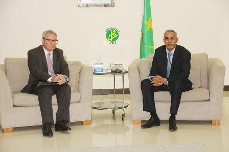 السفير الفرنسي  جوبل مابير في ضيافة الوزير الأول  الموريتاني المهندس ولد حدمين