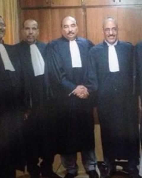 الأستاذ المحامى : محمد ولد عبد العزيز ولد أعلي  مع مكتب نقابة المحاميين