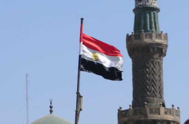 مصري يستغل مسجدا للدعارة