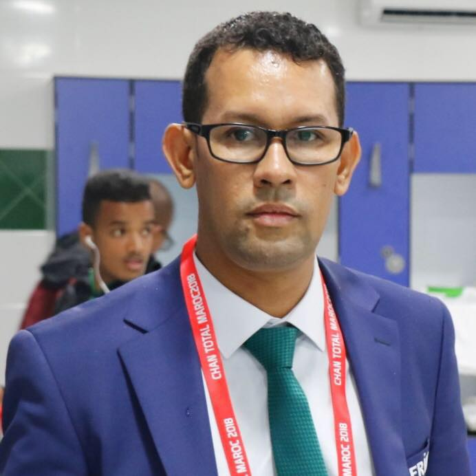 إنصافا للدكتورة خديجة منت اسغير / الكاتب الصحفي محمد اندح