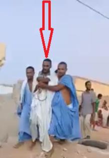 قاتل زوجته المدعو / محمد سالم ولد احميدي لحظة القبض عليه