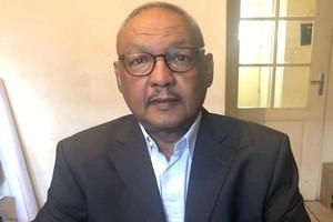 العقيد المتقاعد  / انجاي انجاوار  ـــ  خبير في الأمن مقيم بفرنسا