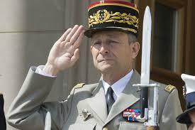 الجنرال /  Pierre de Villiers قائد القوات المسلحة الفرنسية