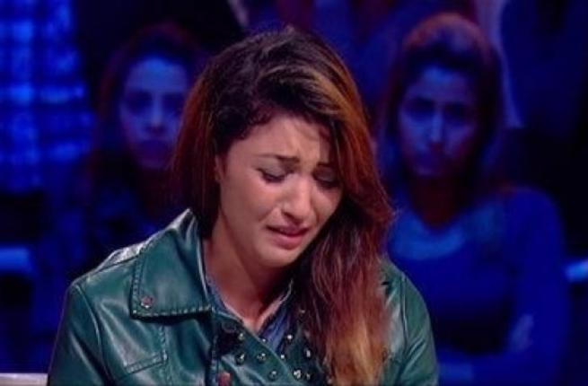 فتاة تونسية تعترف ببمارسة الجنس على الهواء